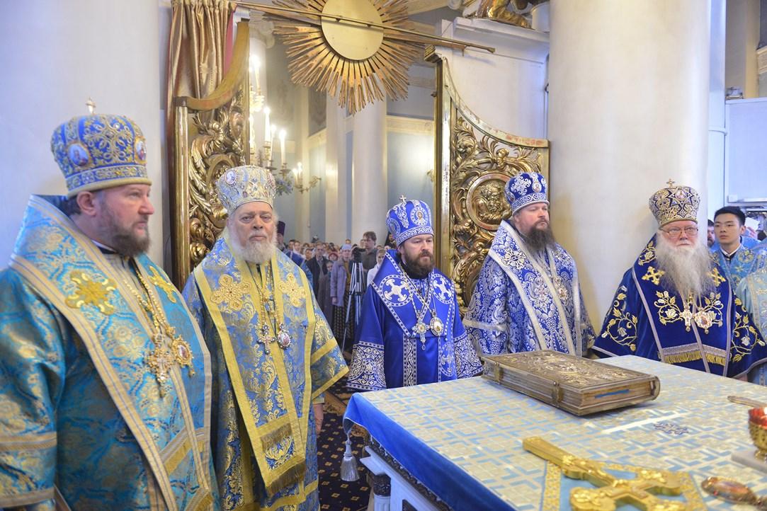 """Света архијерејска Литургија на празник Чудотворне иконе Пресвете Богородице """"Свих жалосних радост"""""""