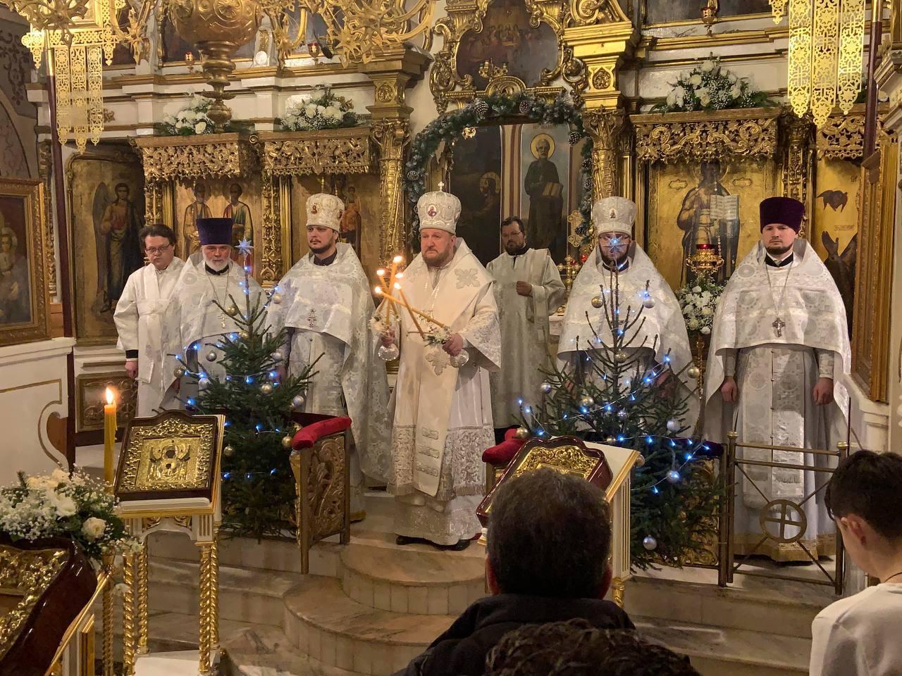 Прослава Божића на Подворју СПЦ у Москви