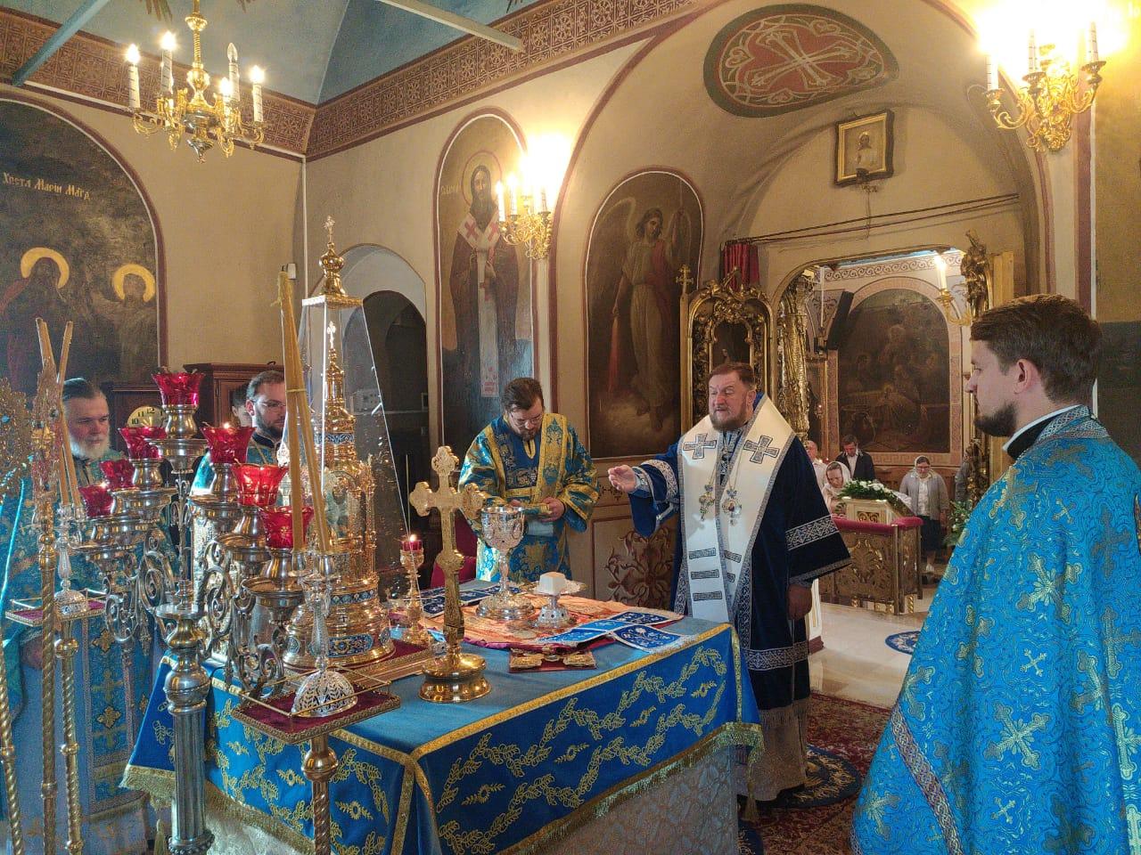 Света Литургија на празник Успенија Пресвете Богородице
