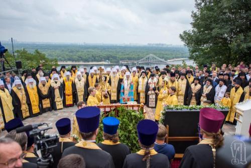 Молебен-на-Володимирській-гірці-7