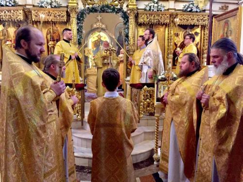 Архиепископ Петар служио на Подворју СПЦ у Москви (02.02.2019)