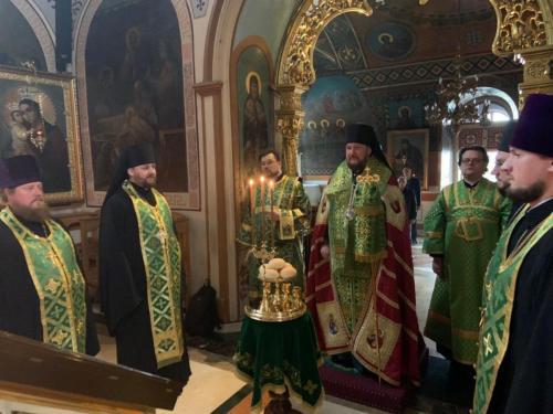 Бденије уочи празника Силаска Светог Духа на апостоле (06.06.2020)