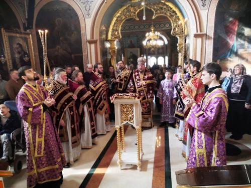 Света Литургија у 3. недељу Великог поста - Крстопоклону (22.03.2020)