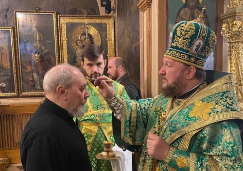 Јутрење уочи Лазареве суботе у Подворју СПЦ у Москви (23.04.2021)