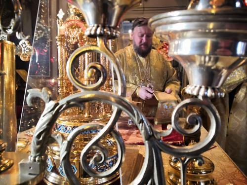 Света Литургија у недељу 01. децембра 2019. године