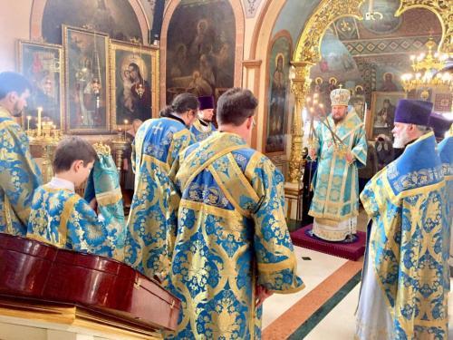Света Литругија на празник Покрова Пресвете Богородице (14.10.2019)